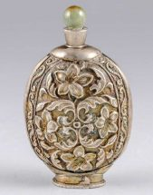 Antique Chinese jade and silver snuff bottle